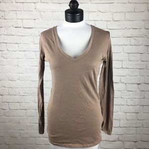 Threads 4 Thought Organic Cotton V-neck Top size M